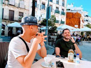 Coffee conversations flamenco